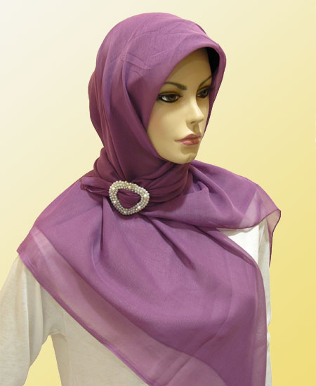 Jilbab atau kerudung paris atau sering juga disebut jilbab segi empat ...